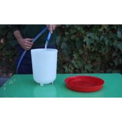 Bebedero pollos 3 litros rojo suinga